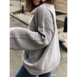 Sweaters - 🆕Morgan Gray Oversized Bell Sleeve Sweater